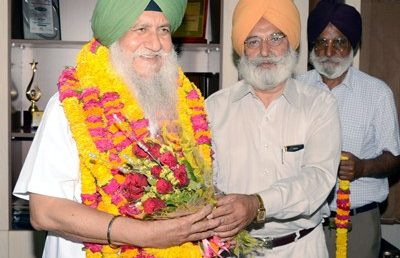 Dr. Gurmohan Walia takes Charge of Office of VC, Khalsa University